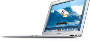macbook air 11 e1388628734710 300x140 Apple福袋「Lucky Bag」2015の価格と中身を予想!何時から並ぶ?