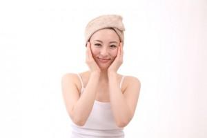 bd589e98f7fa2338d400779d8c851d74 s 300x200 乾燥して顔の化粧のりが悪いとお悩みのあなたへ!原因とよくする方法