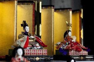 ff077cec97dd48f19531abd45d4b6cd6 s 300x200 お雛様を飾る時期と飾り方をわかりやすく!雛人形は誰が買うべき?