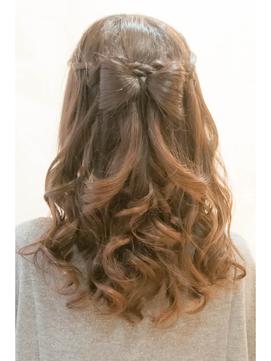 image002 袴に似合う卒業式の髪型セミロング編|黒髪で清楚に決めるには?
