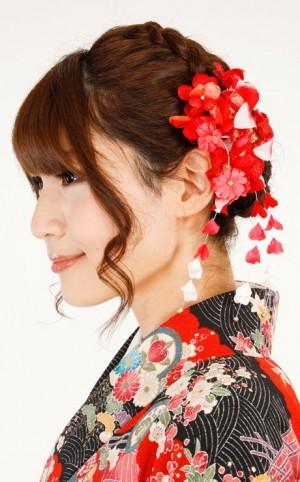 image0031 300x482 卒業式の袴に似合う髪型ミディアム|編み込みやサイドアップの手法