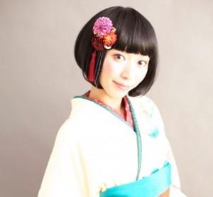 o0450067511164333546 1 300x277 袴に似合う卒業式の髪型ショートヘア編|シンプルにアレンジ!