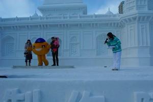 12338600614 204d2415d0 300x200 札幌雪まつり2015の日程と混雑状況|注意点と寒くない服装は?