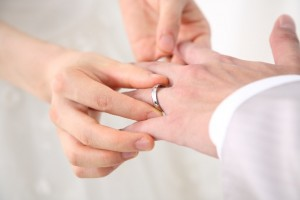 2dbf53679d89f321a84e1cb66adbb2be s 300x200 婚姻届を提出する時の注意点|書き方や必要書類、提出先まとめ