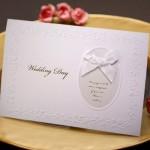 【結婚式の招待状】正しい欠席返信の書き方|文例や一言メッセージまとめ