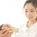 【婚約指輪】彼女が感動するサプライズな渡し方|渡す場所や時期は?