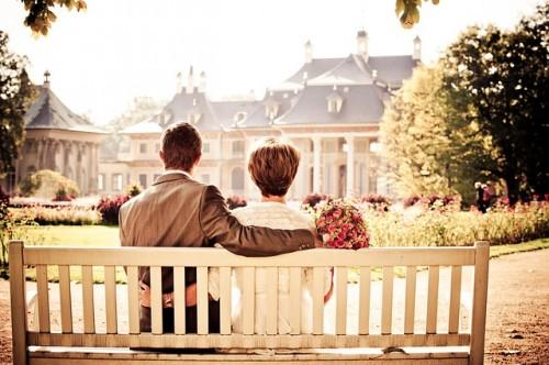 couple 260899 640 500x332 【結婚式】感動させる新婦から「両親への手紙」おすすめ例文まとめ