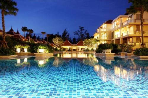 image bangtao hotels 500x333 【大学生の卒業旅行】海外へ予算10万円で行ける人気スポット5選!