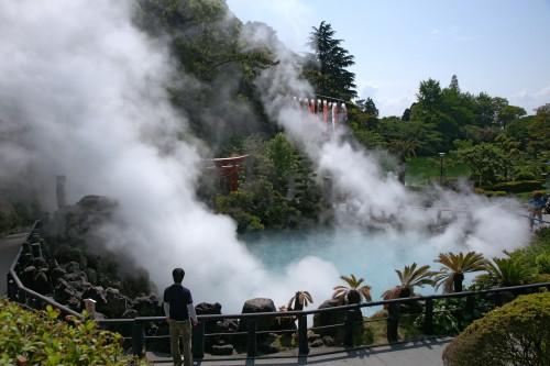 Beppu Umi jigoku04n4272 500x333 【ゴールデンウィーク】九州旅行に行く時のおすすめスポットと穴場は?