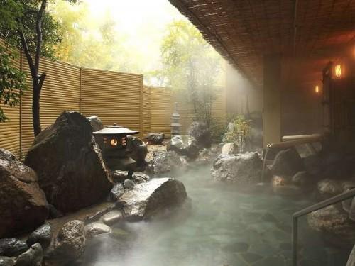 322e5663b82747830f68e2e1e88bf4fe 500x375 夏休みは彼氏と一緒に一泊旅行!カップルにおすすめの関東格安温泉宿