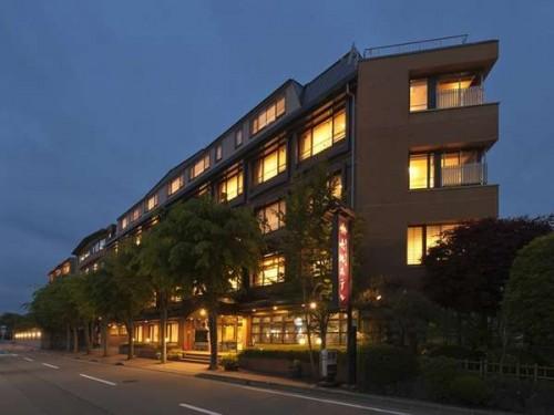 Y337161444 500x375 夏休みは彼氏と一緒に一泊旅行!カップルにおすすめの関東格安温泉宿