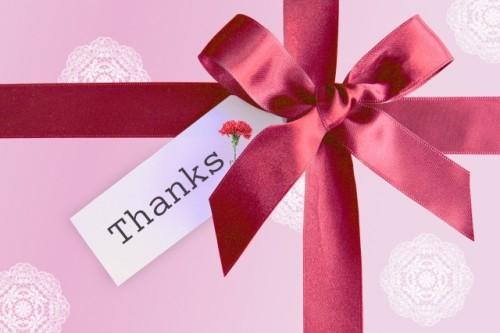 cbf7fcb9d28f6463e0bf2a098d4b3eec s 500x333 母の日のプレゼントをコンビニで!まだ間に合うおすすめスイーツまとめ