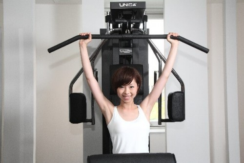25c0c876c8e29a6398d879085b495d6d s 1 500x333 二重あご解消や顔やせに効果のある自宅で簡単にできる筋トレ5選