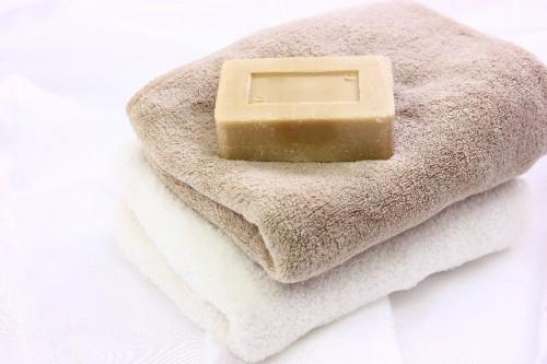 6839b75aaa8c0d018ede1ba88ba4f2f0 s 1 500x333 お風呂でたった5分!自宅で簡単に出来るバストアップ方法まとめ