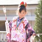 【七五三の服装】7歳の女の子に人気の袴と着物まとめ/洋服でもOK?