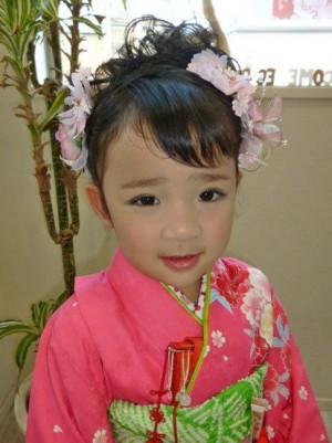image015 300x401 【七五三】7歳の女の子のヘアスタイル人気ランキング!ショート、ロング編
