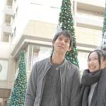 【クリスマスデート】彼氏が喜ぶ20代女性服装コーデと注意点まとめ