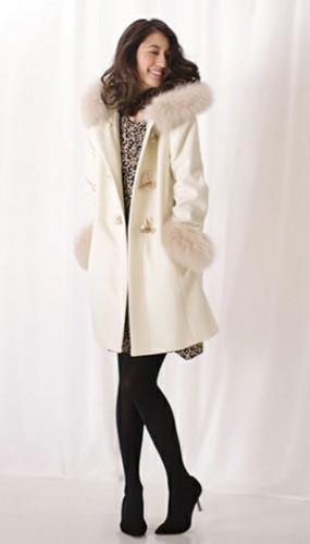 x3 1 285x500 【クリスマスデート】彼氏が喜ぶ20代女性服装コーデと注意点まとめ