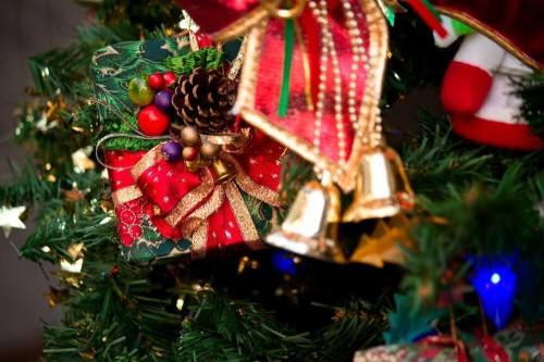 https www.pakutaso.com assets c 2015 05 C777 pretotree thumb 1000xauto 14892 1 500x333 2016年彼氏をドキッとさせるクリスマスプレゼントのサプライズな渡し方5選