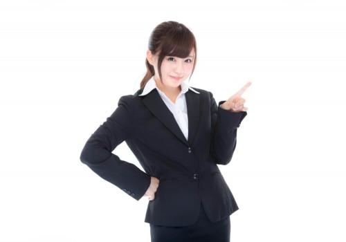 shared img thumb YUKA963 yubisasubiz15202332 TP V 1 500x350 【大学の謝恩会】ドレス以外の女性の服装|スーツ、振袖を着る際の注意点