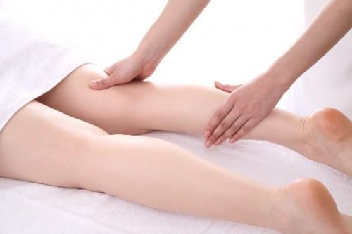 1af40001acafe9fa2f537d841edbb087 s 1 500x333 寝ている時ふくらはぎがつる原因と予防方法|妊婦が足をつった場合は?