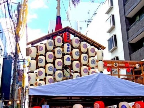 b1f72a75aa5eeaaf13e0c6d97e3bd5d7 s 1 500x375 【祇園祭の山鉾巡行】前祭と後祭のコースと時間|台風の時は中止?