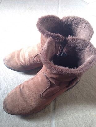313 スウェードのブーツに付いたカビをキレイに落とす方法と上手な保管方法