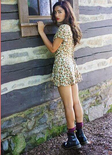4 秋ファッション先取り!夏服にプラスして使える秋物アイテムとは?