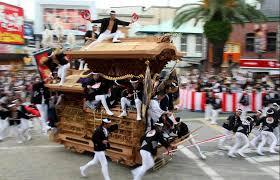 41 岸和田だんじり祭り2016の日程と見どころ|大迫力のやりまわしとは?
