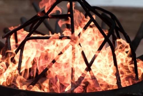 211 500x335 自作でコストダウン!焚き火台テーブルの作り方と焚き火に便利なグッズをご紹介♪