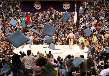 218 初めての大相撲観戦で覚えておくべき事|チケットの料金と観戦マナーをわかりやすく