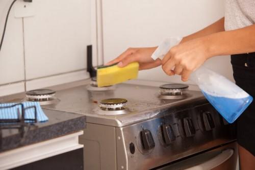 213 500x333 ステンレスの流し台をピカピカに!キッチンの周りの錆を簡単に落とす方法