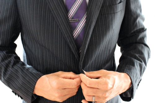 image0011 500x333 スーツのボタンの止め方!正しいマナーとは?シャツやネクタイは?