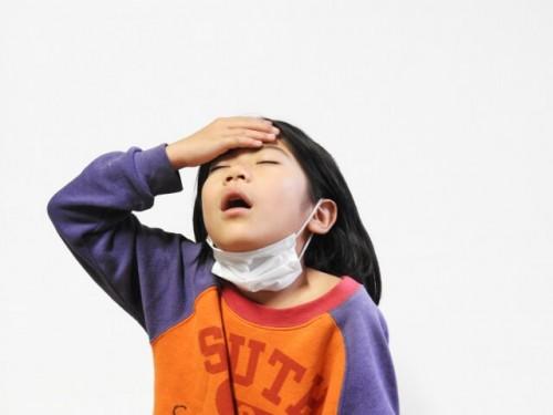 2 500x375 熱はないのに子供が「頭が痛い」と言った時の原因と対処法